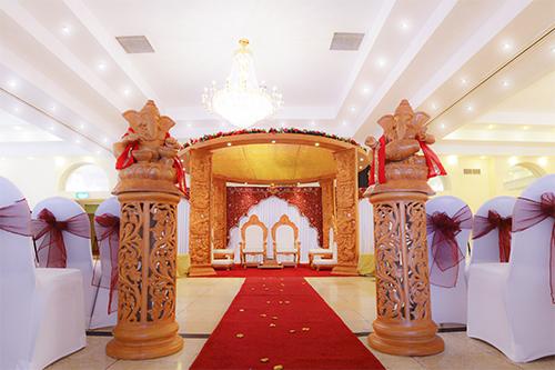 Ramada Park Hotel Mandap