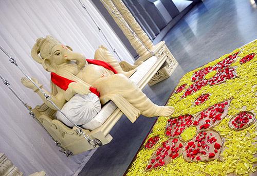 Foyer Ganesh Swing