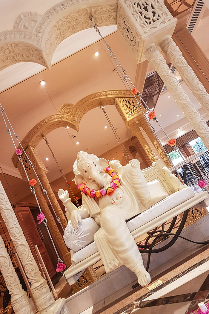 Foyer Ganesh Swing