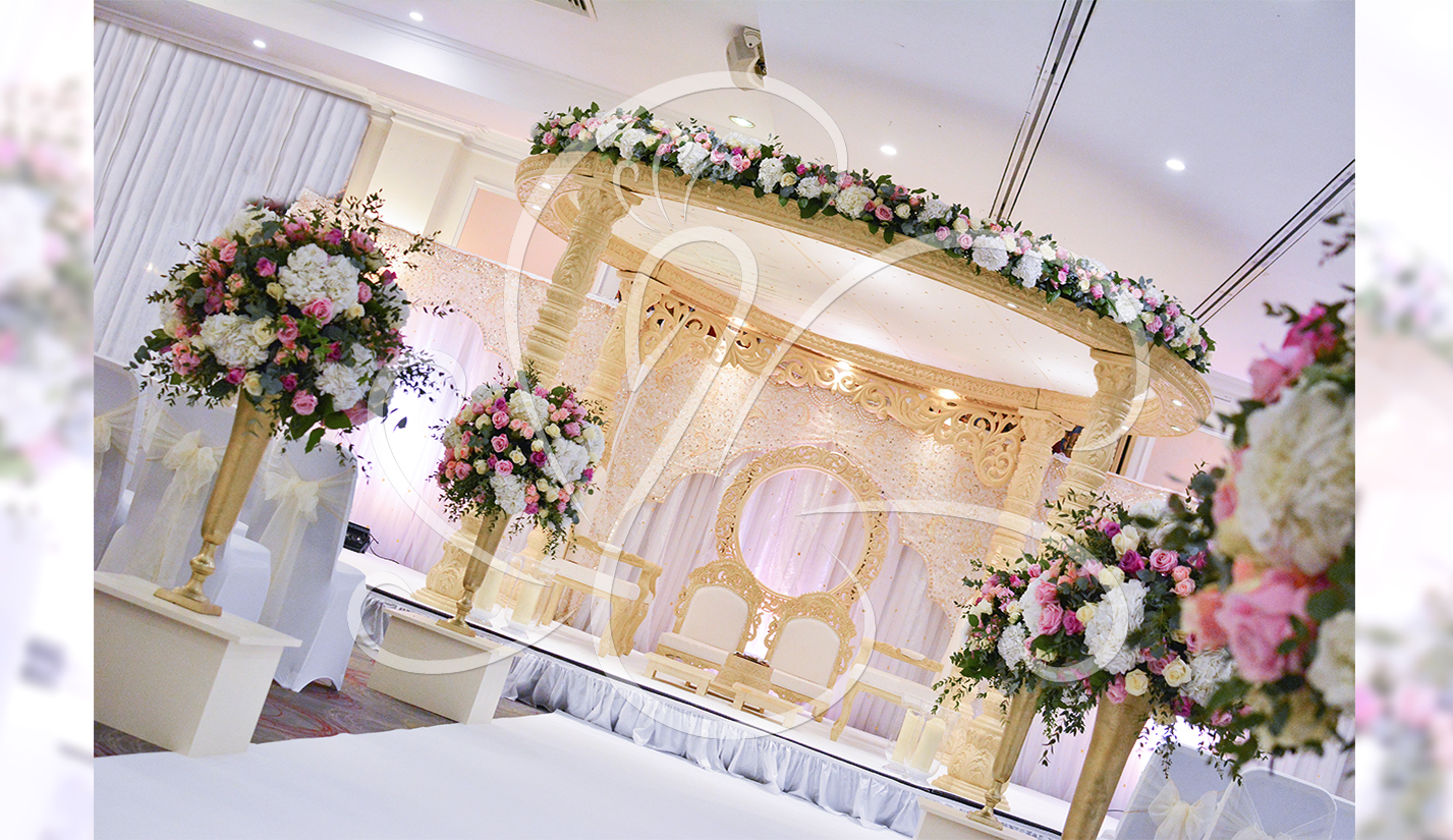 Aisle-Flower-Decor-Mandap