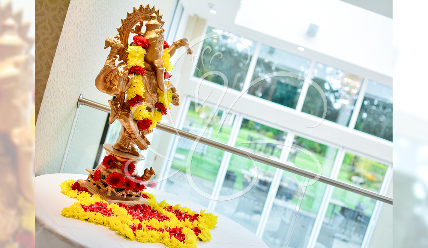 Simple Ganesh Foyer